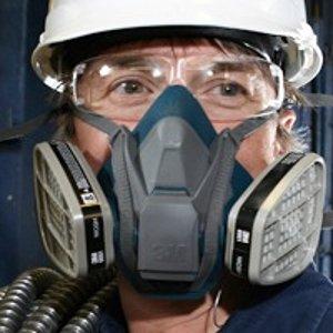 专业护目镜、防护面罩、防护衣热卖 给予全面阻隔保护