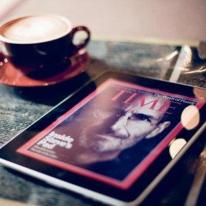 £322 收 IPad 5Apple 苹果 iPad 9.7'' 三色可选