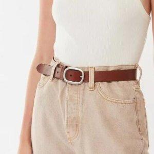 2折起 小花编织腰带$16UO 你和穿搭博主之间可能只差这条腰带 封面真皮款$19.99
