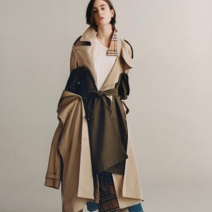 Last Day: All for 15% OffWomen Outwear @ Luisaviaroma