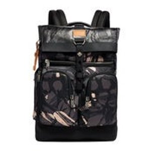 Camouflage London Roll-Top 双肩背包
