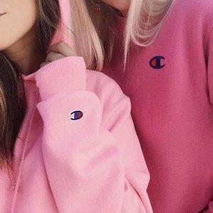 低至5折 爆款卫衣$62起上新+再降价:Champion 街头潮流运动服饰热卖 情侣款穿起来。