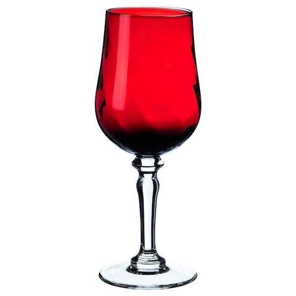 红色玻璃酒杯