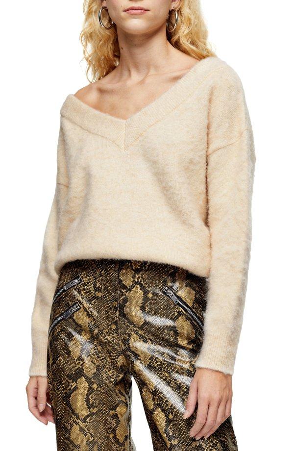 V-Neck 毛衣