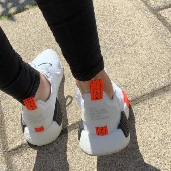 NMD_R1 双色运动鞋