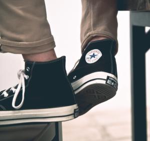 额外7.5折+免邮,$22.47入手帆布鞋Converse男款帆布鞋,LOGO T恤等折上折