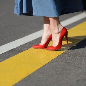 精选8折 折扣区低至5折可叠加最后一天:YOOX官网 精选大牌美衣美包美鞋超值热卖
