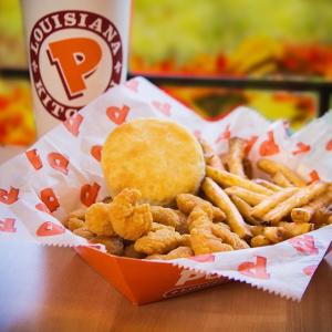 今天任意单免送餐费Popeyes 近期套餐优惠,2份炸鸡+1份配菜+biscuit仅$4.99