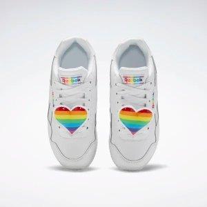 Reebok爱心小白鞋