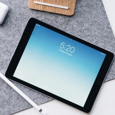 iPad 128GB $329 Watch 3系列$229