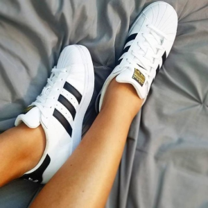 7折+额外7折 多款$64限今天:Adidas官网 Superstar 经典贝壳头板鞋