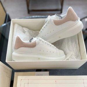 低至5折 史低€297收封面粉尾Alexander Mcqueen 超全闪促 经典小白鞋、老爹鞋都在线
