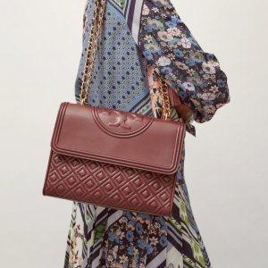 Up to 70% Off + Extra 30% OffTory Burch Chain Crossbody Bags Sale