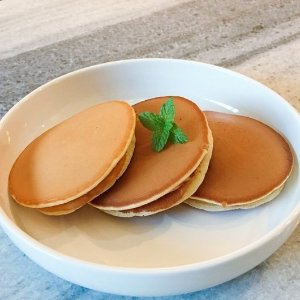 Top RecipeEasy to Make Green Tea Dorayaki