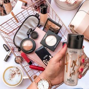 低至3.7折M.A.C 美妆产品清仓 收超值唇部套装 眼影盘
