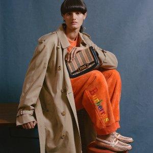 正价最高75折 收当季新品Burberry 全线美衣美包折扣 格纹围巾必备秋冬单品