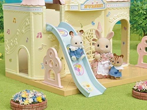 城堡造型婴儿房