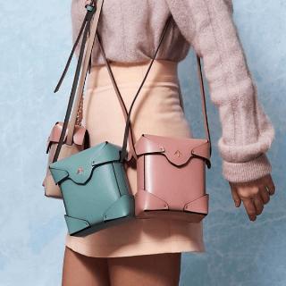 粉色到手¥2099Manu Atelier 刘雯佟丽娅同款 箭头包