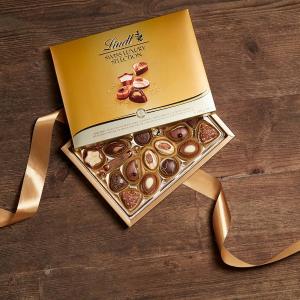 Lindt 巧克力圣诞礼盒热卖 送人自留皆可