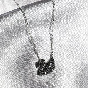 Swarovski小号黑天鹅项链