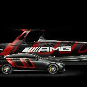 底下那台车小编倒是摸过不务正业系列 Mercedes 发布41' AMG Carbon游艇