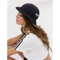 Adidas 渔夫帽男女同款