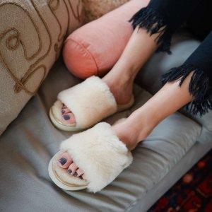 Dearfoams白色毛毛拖鞋