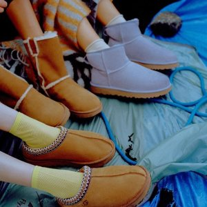 低至3.6折!€60就收豆豆鞋UGG 特卖大促 天气渐凉 舒适又保暖的雪地靴陪你过冬天