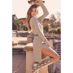 米色针织开衩露出你的大长腿连衣裙