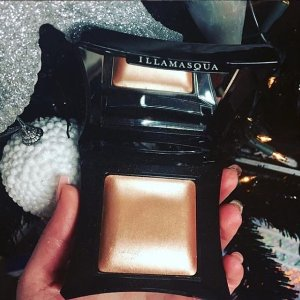 40% offIllamasqua beyond power Sale3