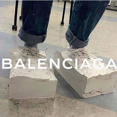 无门槛8折 £252拿下LogoT恤Balenciaga 男装狂热折扣 收LogoT恤、老爹鞋、包包等