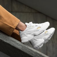 Adidas Falcon 女款老爹鞋