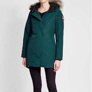$531CANADA GOOSE  Victoria Down Parka with Fur-Trimmed Hood