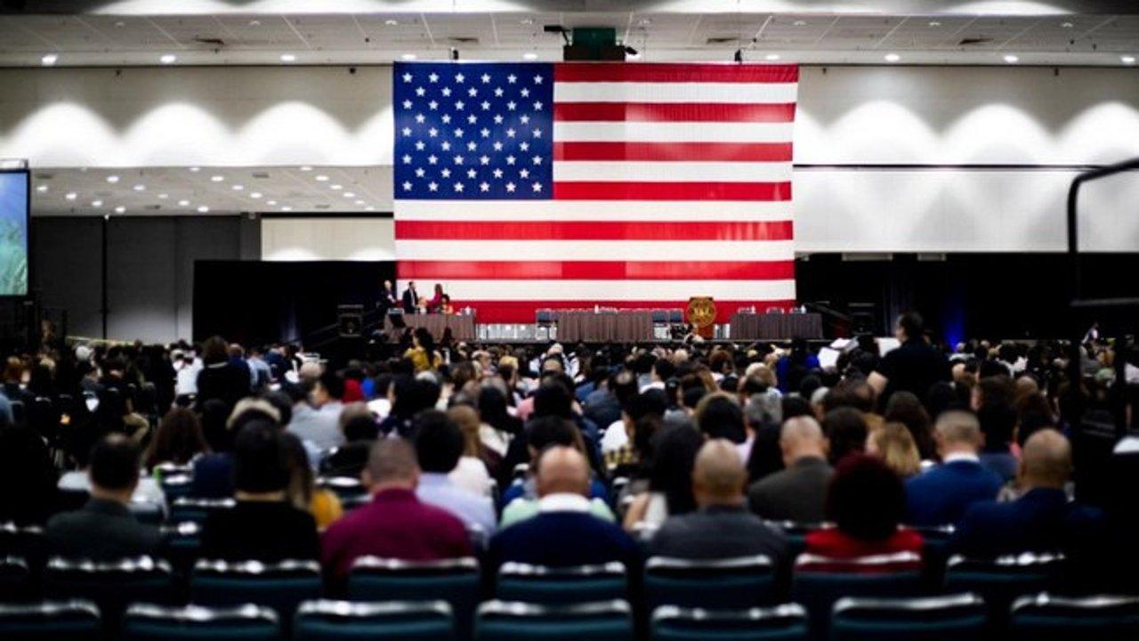 重磅!移民局将修改美国公民考试,上万移民受影响!入籍考试题目,入籍流程介绍!
