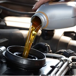 DIY换机油必看《汽车频道汽修部》自己动手换机油