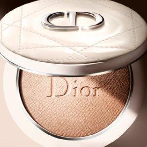 $58 已发售 色号全快冲上新:Dior 爆款新品白皮革高光饼 颜值满分 好看就完事了!