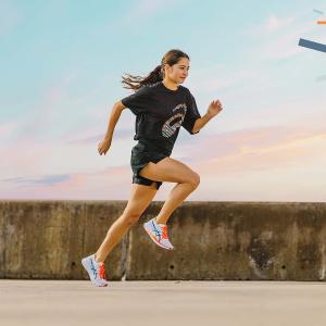 低至€37收女士运动鞋白菜价:ASICS 运动鞋 舒适又专业 为运动提供保护