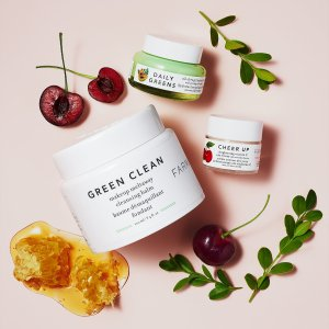 Up to 37% OffFarmacy Beauty Skincare Set Sale