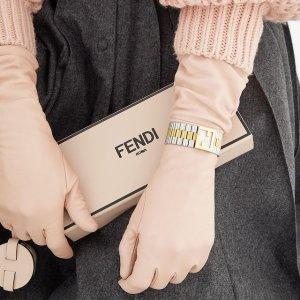 高甜好物推荐上新:SSENSE 粉色甜蜜好礼指南 大牌单品送女友 有品又有面