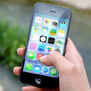 上网、iCloud、电邮等都会受影响部分Apple 用户注意, 本周日后你的iPhone、iPad 可能变砖
