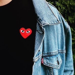 Up to 50% OffItalist CDG PLAY Top