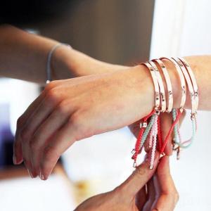 一件精致的首饰也能让你的搭配大变样Monica Vinader 明星们都爱的轻奢珠宝品牌