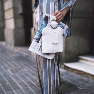 不知道背什么包的时候 选它就对了 | Parisa Wang 水桶包测评