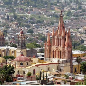 $1645+Mexico: 9-Nt, Small-Group Tour, Incl. San Miguel de Allende & Teotihuacan w/Meals