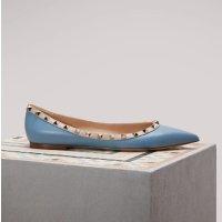 Valentino 经典铆钉平底鞋