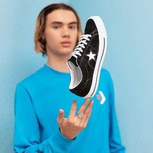 低至5折 经典帆布鞋,封面红色款超值低价入Converse 精选运动鞋折扣热卖