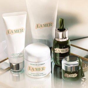 15ml Travel size ConcentrateLa Mer offers a complimentary gift on orders over $300