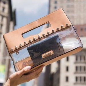 新款PVC手包上架 满$200赠送钥匙圈最后一天:Rebecca Minkoff官网新款包包热卖 折扣区额外7.5折