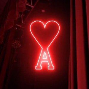 6折起!£144收小红心卫衣折扣升级:AMI Paris 黑五震撼闪促 小爱心Logo款全参与 针织毛衣、围巾帽子上线