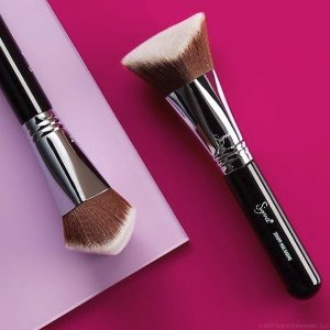 30% Off + $10 OffWith Select Items @ Sigma Beauty